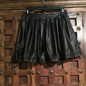 🖤BOGO FREE🖤faux leather skirt